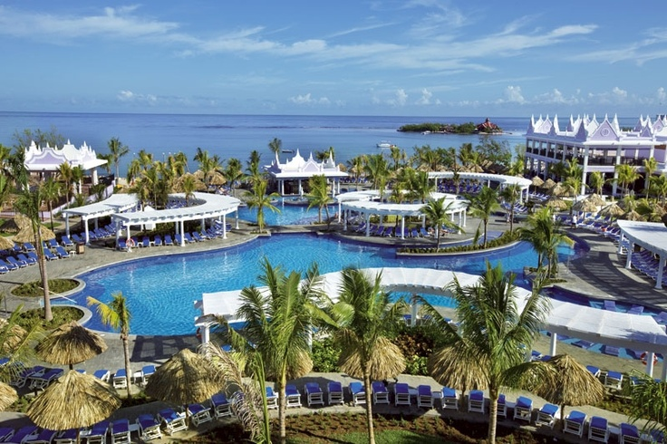 Hotel Riu Montego Bay - Hotel in Montego Bay, Jamaica - RIU Hotels & Resorts...EXACTLY where I was! <3 <3 <3