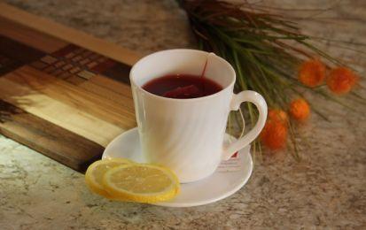 La tisana fredda con zenzero e limone: benefici e come prepararla - La tisana…