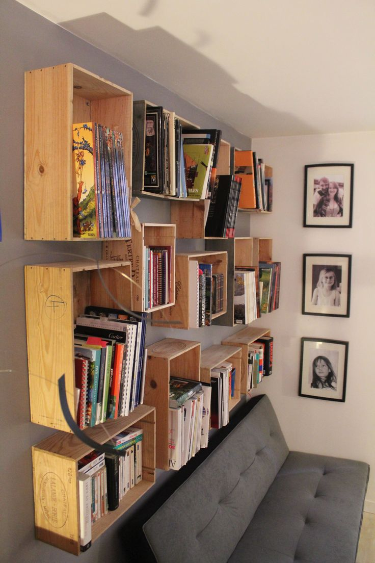 biblioth que caisse de vin efficace et pas cher diy pinterest library shelves wooden. Black Bedroom Furniture Sets. Home Design Ideas