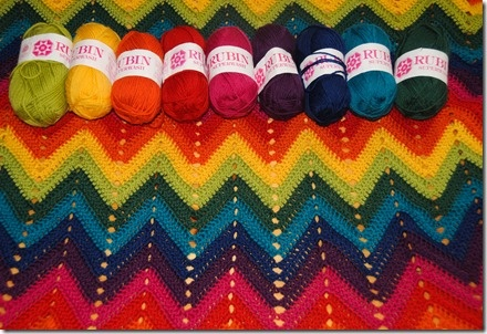 #crocheting #crochet #rainbow #happy #blanket #zigzag
