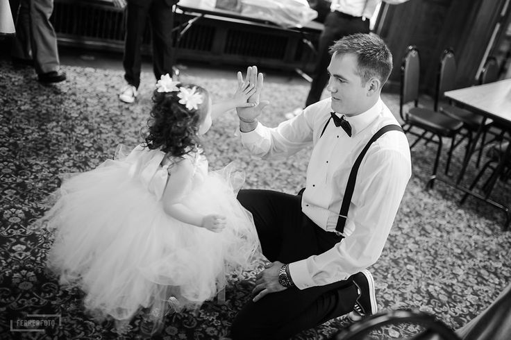 must have wedding pictures, groom and flower girl, bow tie, suspenders, converse all star, chuck taylor wedding, flower girl dress, tulle, high five