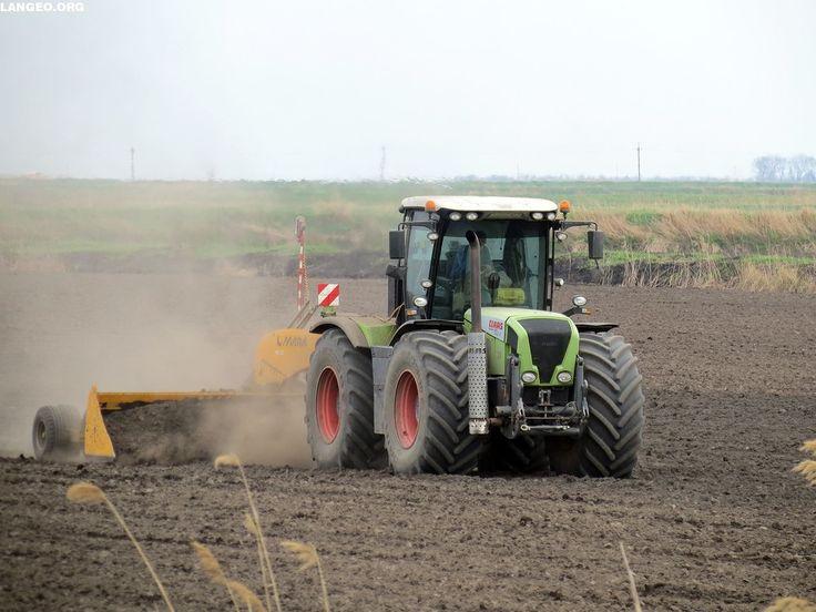 LANGEO.ORG: Claas Xerion. Планировка рисовых чеков. rice field...