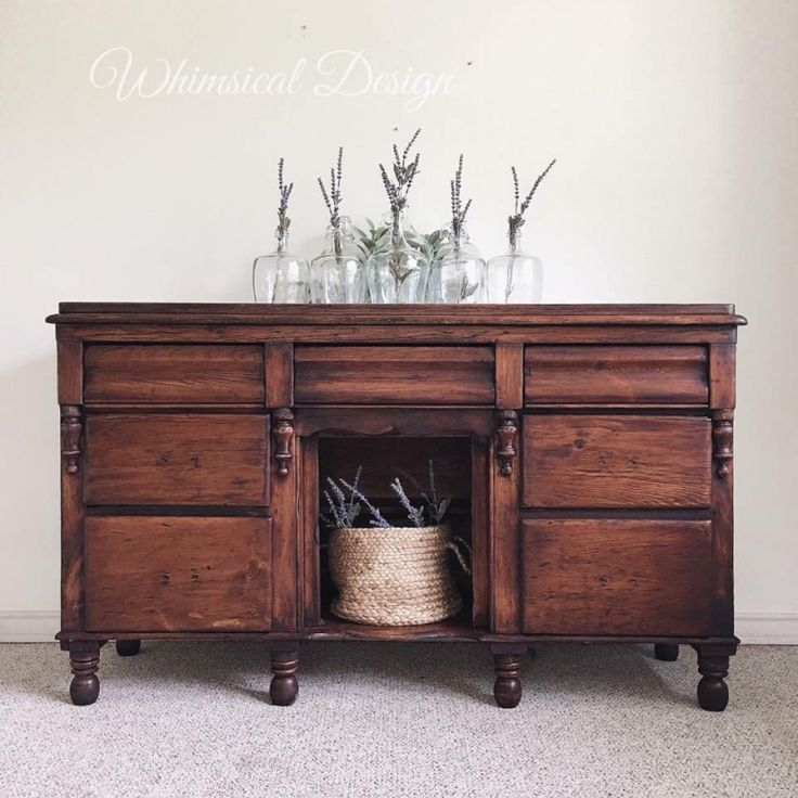 Let's stop for a moment to really appreciate this gorgeous finished piece by Whimsical Design - Bryan College Station! This buffet was finished with GF Java Gel Stain. Great work Whimsical Design!