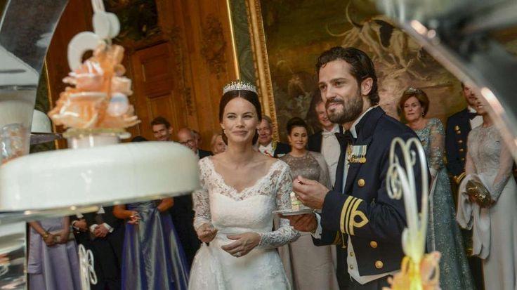 Prinz Carl Philip von Schweden & Sofia: Party bis 6 Uhr morgens http://www.bild.de/unterhaltung/royals/prinz-carl-philip/so-schoen-war-die-hochzeits-feier-41349870.bild.html