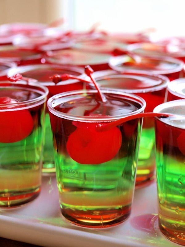 Sweet Trolley: Happy Hour: Rainbow Reggae-Jelly Shots mit Cocktailkirschen