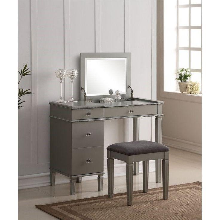 Linon Alexandria Bedroom Vanity Set In Silver   580435SIL01U