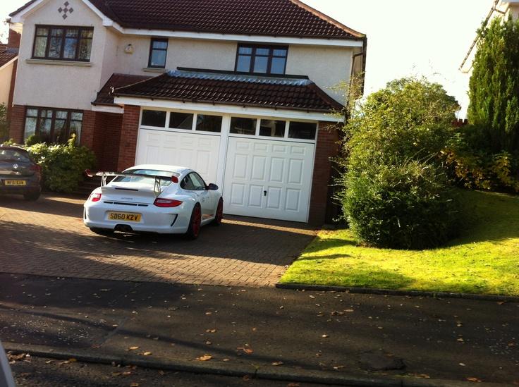 Neighbours Porsche carrera gt3 RS