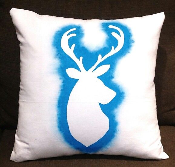 Blue stenciled stag.