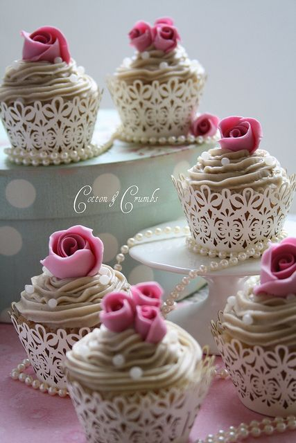 So cute.: Cupcake Wrappers, Cupcake Holders, Lace Cupcake, Bridal Shower Cupcake, Rose Cupcake, Wedding Cupcake, Pretty Cupcake, Vintage Rose, Cupcake Liner