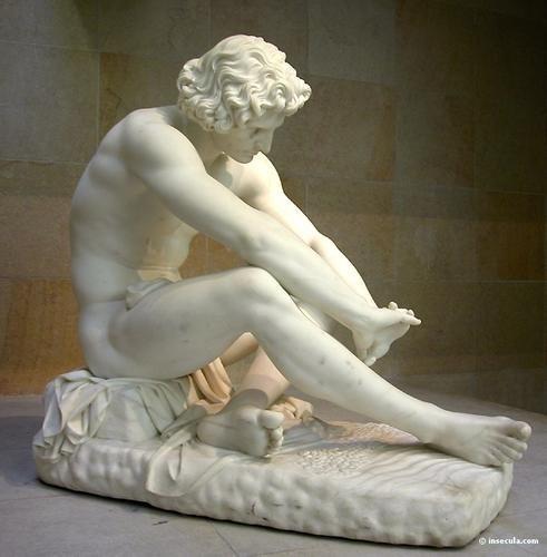 """El titulo de la obra:""""Le Désespoir"""" (La desesperación) de 1869.   Autor: Jean-Joseph Perraud  Material: Mármol"""