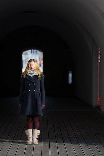 Maria in the morning light at the Bastion in Timisoara - do not look / nu te uita / ne nézzen / non guardare / schauen Sie nicht