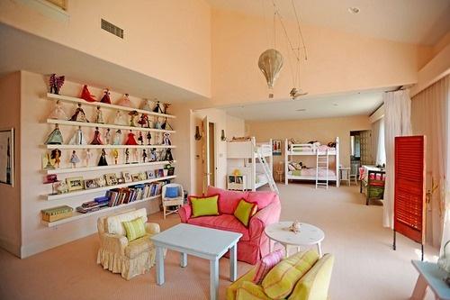 Faith Hill & Tim McGraw's children's room