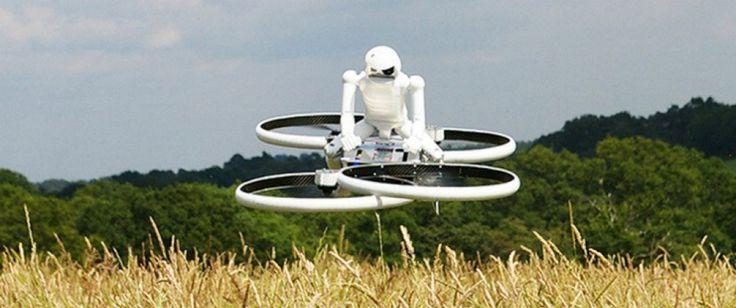 Non funziona a pedali e al posto delle ruote ha quattro eliche rotanti che lo sostengono a mezz'aria. È Hoverbike, un robot volante progettato per il trasporto umano ora in fase di sviluppo e di test (nonché la richiesta di approvazione delle autorità aeronautiche).