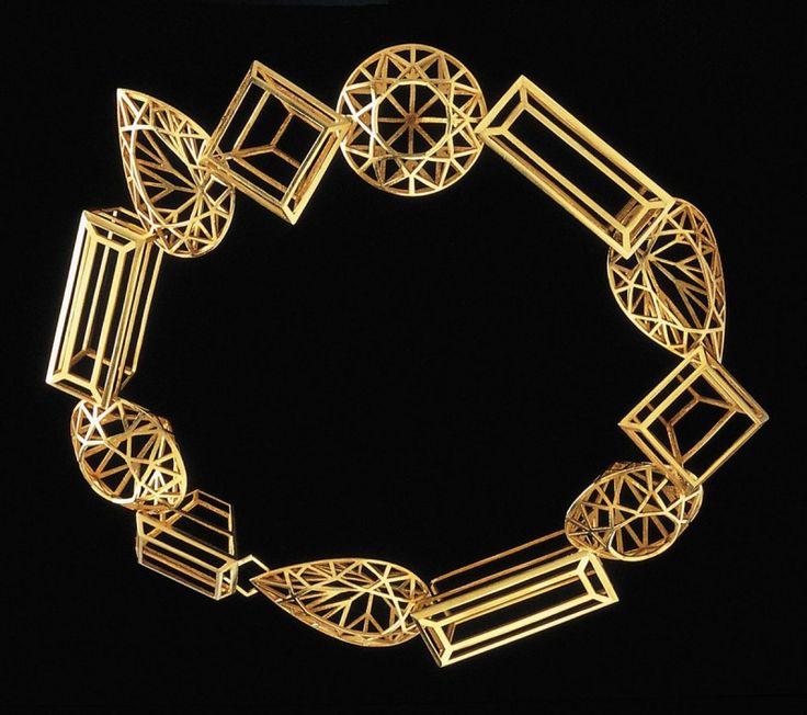 """""""Crystal system"""" by Melanie Kölsch. Gold 750."""