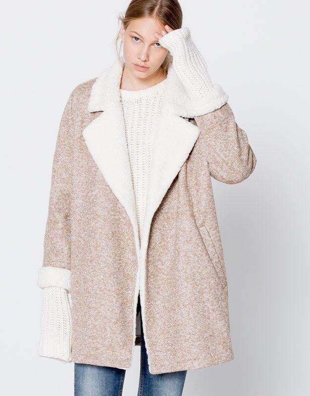 Knit coat with faux-fur lapels - B&W essentials - Trends - Woman - PULL&BEAR Turkey
