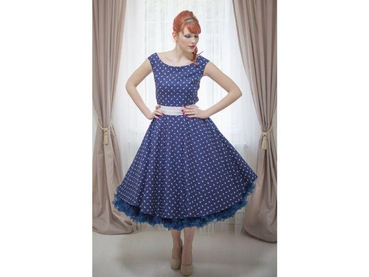 Retro šaty HELEN v modrotisku. kulatý výstřih širší ramínka knoflíčky na zádech kolová sukně ozdobný pásek z bavlněné madeiry délka sukně 64 cm, zip na boku skladem velikost 40