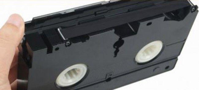 Oude VHS banden liggen? Zet ze gemakkelijk op de computer met deze uitvinding!
