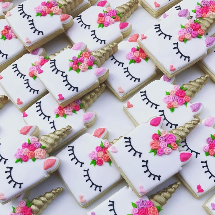"@ruthiegracecakeco"" Unicorns! #ruthiegracecakeco #decoratedcookies #sugarcookies #royalicing…"""