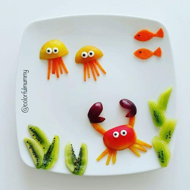 Deniz altında sakin bir gün... A peaceful day under the sea... Kayısı, kivi, kiraz, havuç... Apricot, kiwi, cheery, carrot... #crab #jellyfish #sea #art_whisper