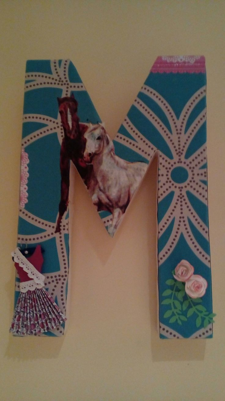 M decorada