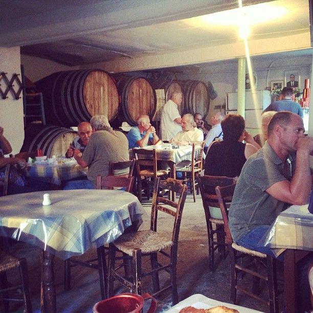 Δίπορτο in Αθήνα, Αττική Only open until four this is the place with no signs, no menu and no english but you will get wine and great food.