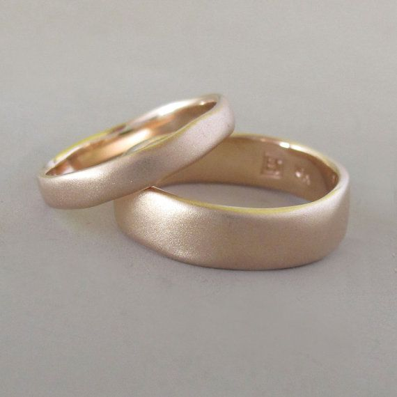 Matte Hochzeit Ring in 14k Rosegold  Fluss von esdesigns auf Etsy