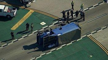 Οκτώ τραυματίες από σύγκρουση αεροσκάφους με φορτηγό στο αεροδρόμιο του Λος Άντζελες   Ένα επιβατικό αεροσκάφος των αερογραμμών Aeromexico συγκρούστηκε χθες με ένα φορτηγό σε ένα διάδρομο τροχοδρόμισης στο Διεθνές Αεροδρόμιο του Λος Άντζελες... from ΡΟΗ ΕΙΔΗΣΕΩΝ enikos.gr http://ift.tt/2q5mmC9 ΡΟΗ ΕΙΔΗΣΕΩΝ enikos.gr