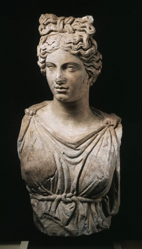 Colossal bust of a goddess or personification (2004-38)   Princeton University Art Museum