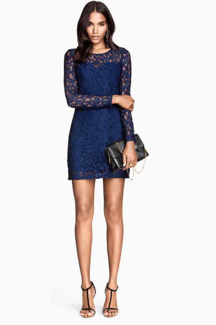 Le migliori proposte lowcost di abiti Natale 2014 H&M abito corto in pizzo blu 34.99 euro.jpg