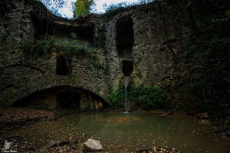 Il Mulinaccio di Scandicci, in provincia di Firenze, è un vecchio mulino idraulicola cui costruzione risale alla metà del Seicento ed èuno dei tantissimi luoghi nascosti e molto suggestivi non inseriti nelle guide turistiche...