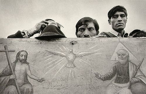 Day of the Dead in San Vicente Nautec Ecuador, 1982 Por Sebastião Salgado