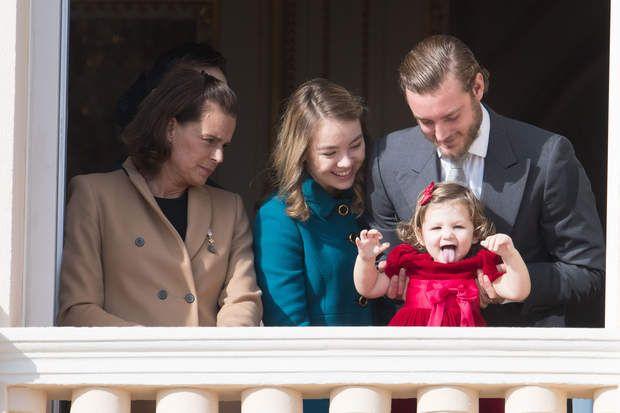 MONACO TOUS AU BALCONla Princesse Stephanie, la Princess Alexandra deHanovre, India Casiraghi et son onclePierre Casiraghi.
