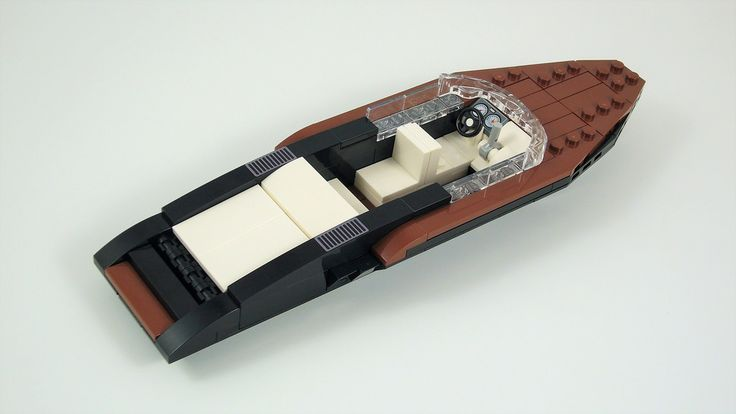 Open Motor Yacht. Modified version of Razgriz94's Garda Boat - Lego SpeedBoat Design Printing by steindrucker.com. More pictures in the Album