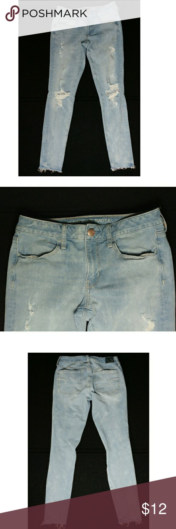 American Eagle Outfitters Distressed Jeans Sz 6 You are looking at a pair of American Eagle Distressed Light Washed Jeans size 6. They have ripped knees and frayed ankles.  These are in good used condition! American Eagle Outfitters Jeans Skinny