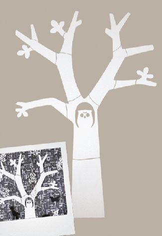 Houten boom met uil voor aan de muur van karwei wall decoration for the kidsroom - Grijze muur deco ...
