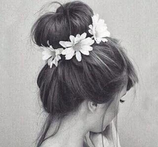 Messy bun with flowers