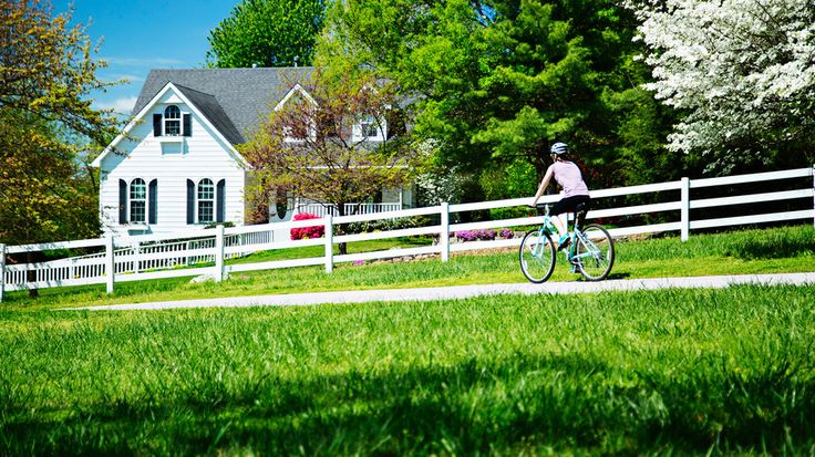 Fayetteville included in list of 15 affordable small towns we love by SouthernLiving.com. #VisitArkansas