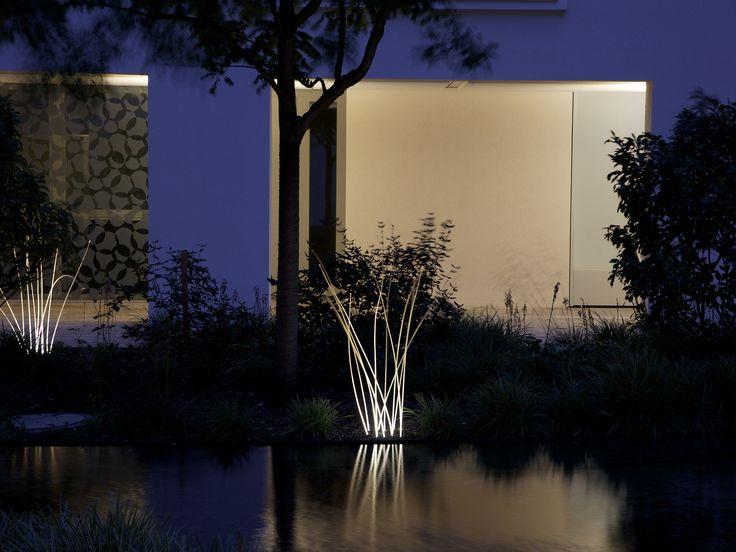 The Seven, Munich, 2014     Luminous grass, colonades lighting        Architecture: Léon Wohlhage Wenik, Berlin / BKLS, Munich  Lighting design: pfarré lighting design, Munich  Fotografie: Lichtlauf, Munich