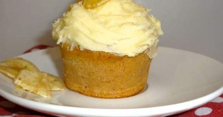 Honey Cream Banana Cupcakes