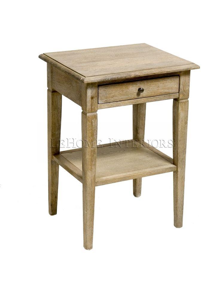 Тумбочка Riviere Bedside Table. Открытая тумбочка в стиле французской провинции. Выполнена из массива дуба. Конструкцией предусмотрен выдвижной ящик и нижняя полочка.