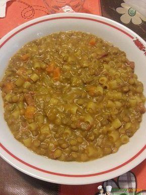 Zuppa di lenticchie Bimby, ideale con la pasta per un piatto unico molto nutriente al pari di pasta e fagioli, perfetto per grandi e piccini. Ingredienti: 1 pezzo di cipolla