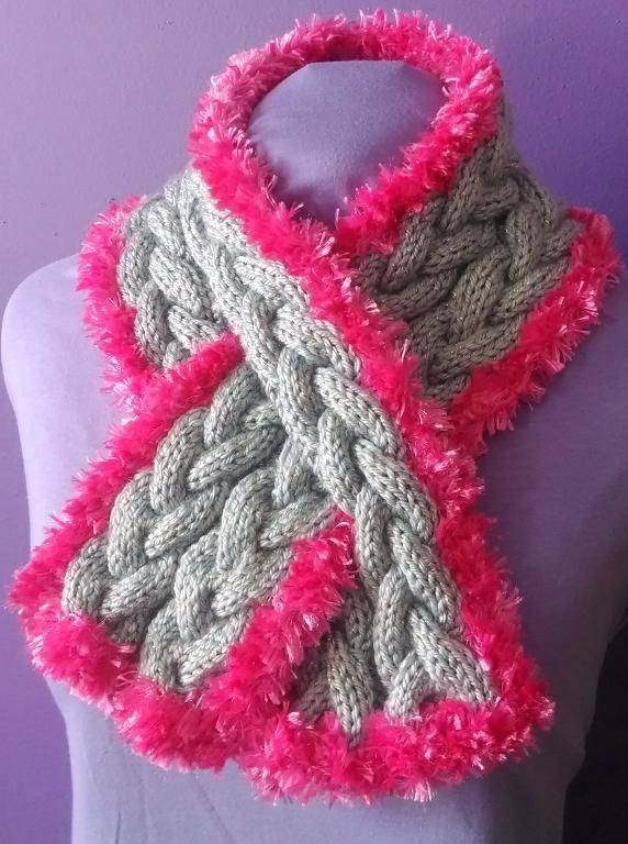 Toddler Keyhole Scarf Knitting Pattern : 1000+ images about keyhole scarf on Pinterest Portuguese, Baby & toddle...