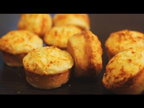 Mette farina, uova e formaggio in una teglia per muffin... Una ricetta BUONISSIMA! - ilBuongiorno.it