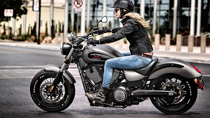 2015 Victory Gunner Motorcycle : Photos