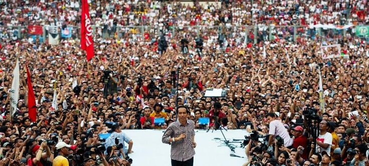 Mr. Jokowi in front of his supporter :)
