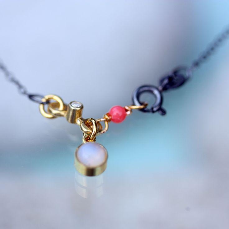Spinkel kæde med opalite og koral...