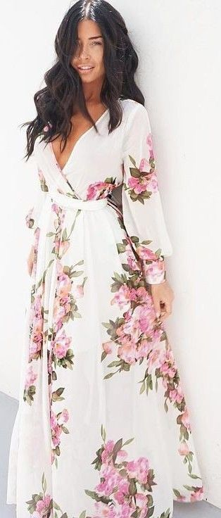 the floral print on this maxi dress is just stunning. She looks amazing in it