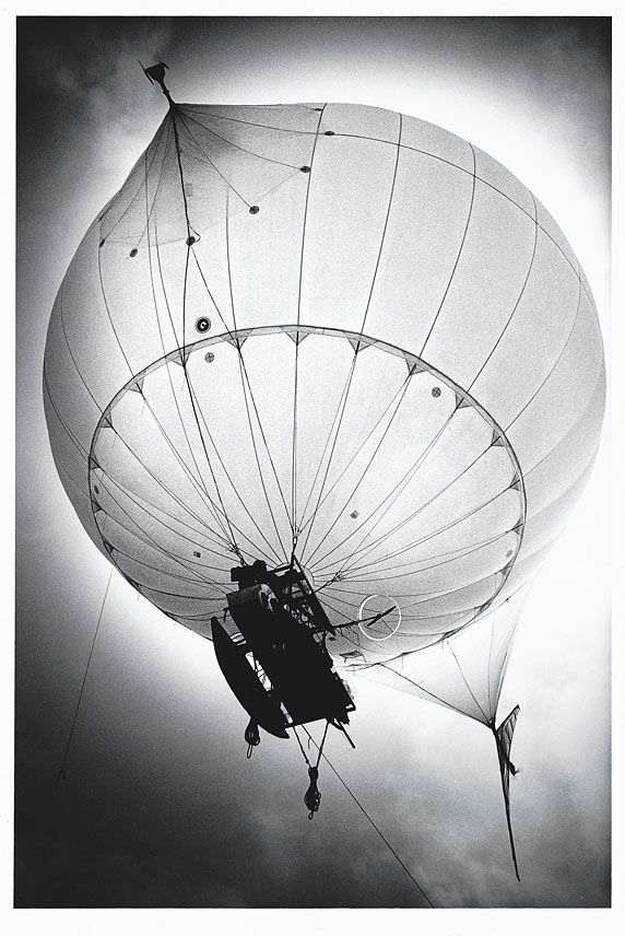 Airship, Lena Herzog & Graham Dorrington