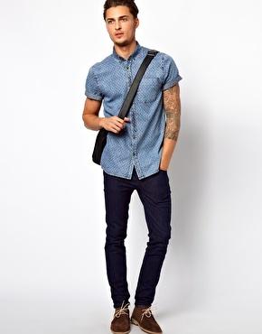 #ASOSCampusStyle @UNiDAYS_US River Island Denim Shirt: http://us.asos.com/River-Island-Denim-Shirt/100das/?iid=2955743 / ASOS Skinny Jeans in Dark Blue: http://us.asos.com/ASOS-Skinny-Jeans-In-Dark-Blue/z95pe/?iid=2435195