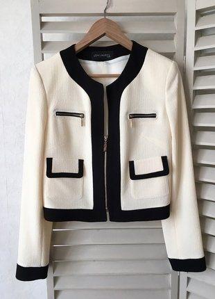 À vendre sur #vintedfrance ! http://www.vinted.fr/mode-femmes/autres-manteaux-and-vestes/25663646-elegante-veste-courte-de-couleur-blanc-creme-lea-lauryl